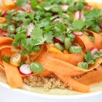 Knapperige Quinoa Salade met Limoen-Gember Dressing