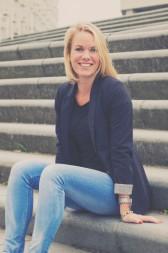 Yvonne Hollander