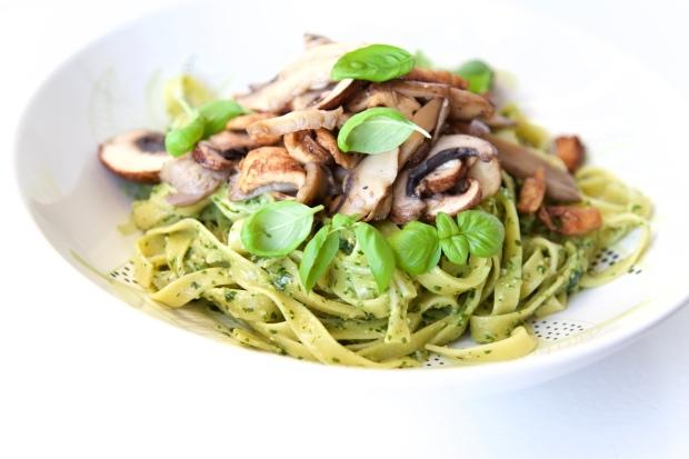 verse pasta met amandelpesto